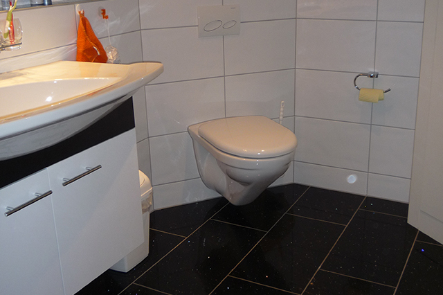 schenk kerzers keramische wand und bodenbel ge. Black Bedroom Furniture Sets. Home Design Ideas